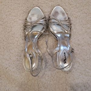 Strapoy Silver prom shoes